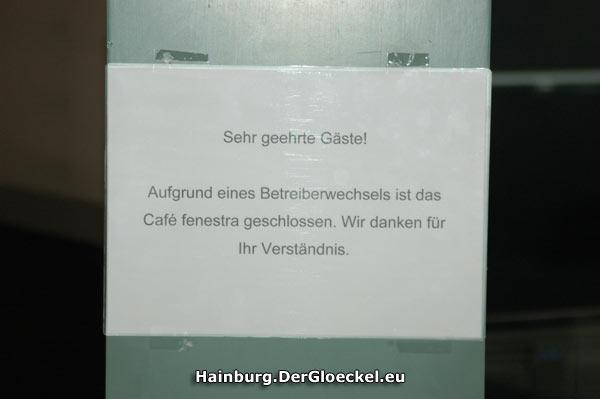 Der lapidare Hinweiszettel für Besucher der Kulturfabrik Hainburg
