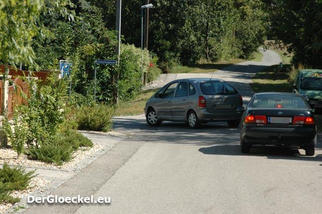 Der Effekt der Plan- und Verantwortungslosigkeit: Fahrzeuglenker durchfahren die Wohnstraße - die Anrainer danken der Stadtverwaltung