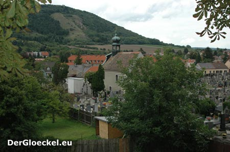 Der Ausblick auf den Braunsberg - ein Ort des Verweilens auch für Friedhofsbesucher