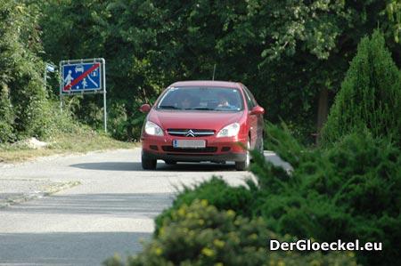 Die Empfehlung des Verkehrsausschusses wurde völlig ignoriert - Bürgermeister Kindl (ÖVP) als Verkehrsbehörde im eigenen Wirkungsbereich läßt Rechtswidrigkeit gewähren