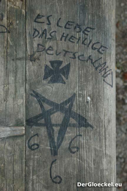 Heiliges Deutschland und Satanistensymbole
