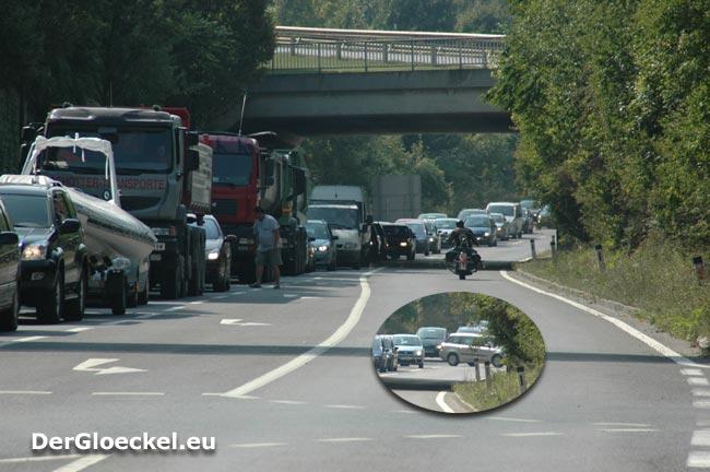 völliger Verkehrsstillstand an der B9 im Raum Hainburg/D.