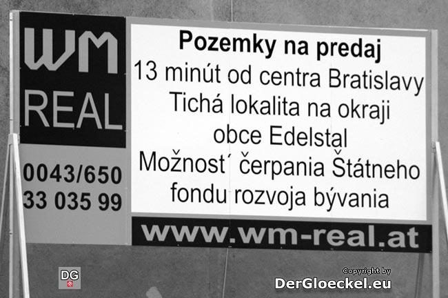 """Werbung für den Durchzugsverkehr in die Slowakei """"bereichert"""" nun das Stadtbild von Hainburg"""