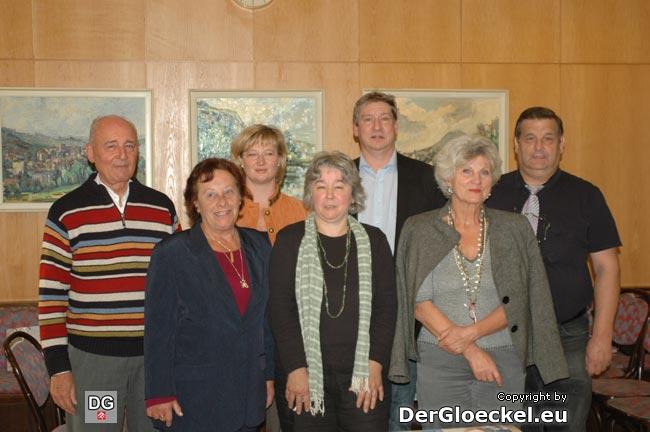 Literatur-Zirkel Marchfeld - v.l.n.r.: Günter BERNHARD (Bruck), Gertrude HUBINY (Groissenbrunn), Gastleserin Cornelia SCHÄFER (Enzersdorf), Margarethe FUGGER (Gänserndorf), Erich DOLECAL (Hainburg), Angelika SVOBODA-REINDL (Hainburg) und Helmut A. KURZ (Marchegg)