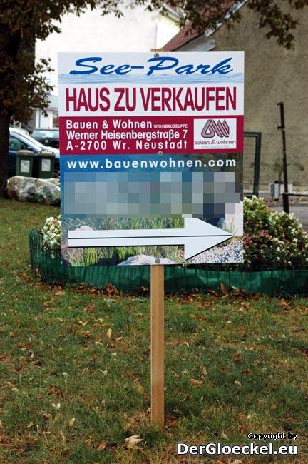 Beispiel: dieser Werbeständer befindet sich an der Kreuzung B9 - Hummelstraße - lt. Stadtamt Hainburg wurde um keine Bewilligung angesucht