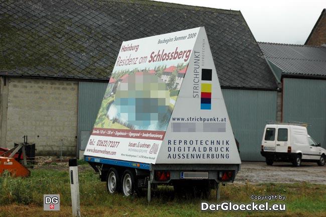 """illegale Werbung der Wohnbaugruppe """"bauen & wohnen"""" direkt an der B9"""