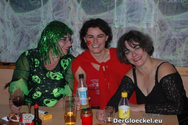 Eine nette Damenrunde bei Halloween in Hainburg/D.