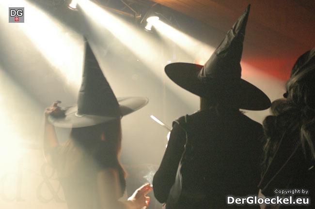 Halloween-Hexen im Rampenlicht