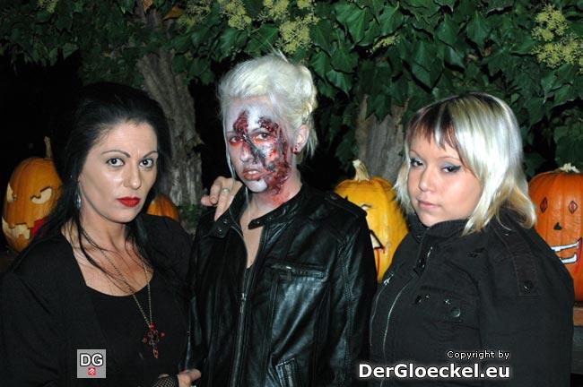 Hexen zu Halloween auf Besuch