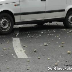 Reifenschäden sind zu befürchten - das Überfahren von kantigen Steinen kann zu nicht sichtbaren Schäden der Karkasse führen