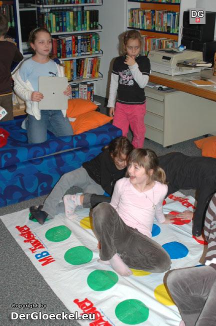 Spiele an einem sonst ruhigen Ort - einmal pro Monat widmet das Team der Haydn-Bibliothek den Kindern einen Veranstaltungsnachmittag
