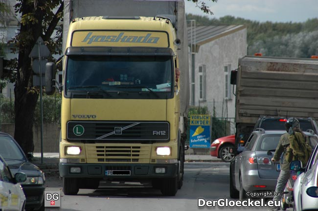 Momentaufnahme vom 16.9.10 14:11 Uhr - zwei Minuten vor dem obigen LKW. Ein ausländischer Sattelzug auf dem Weg zur Staatsgrenze