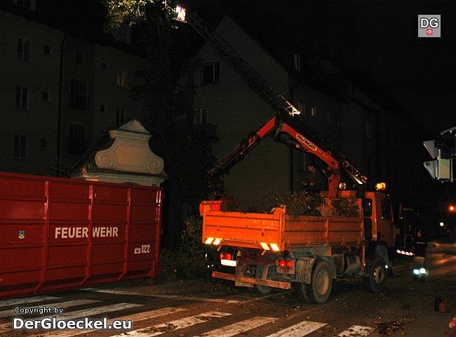 Sperre der B9 in Hainburg zur Denkmalsicherung