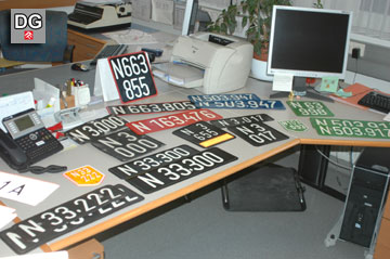Beispiel der Schaustücke - Kennzeichentafeln der vergangenen Jahrzehnte