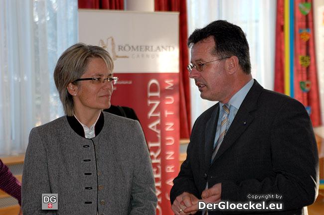 Landesrätin Dr. Petra Bohuslav als Ehrengast bei Bezirkshauptmann Dr. Martin Steinhauser