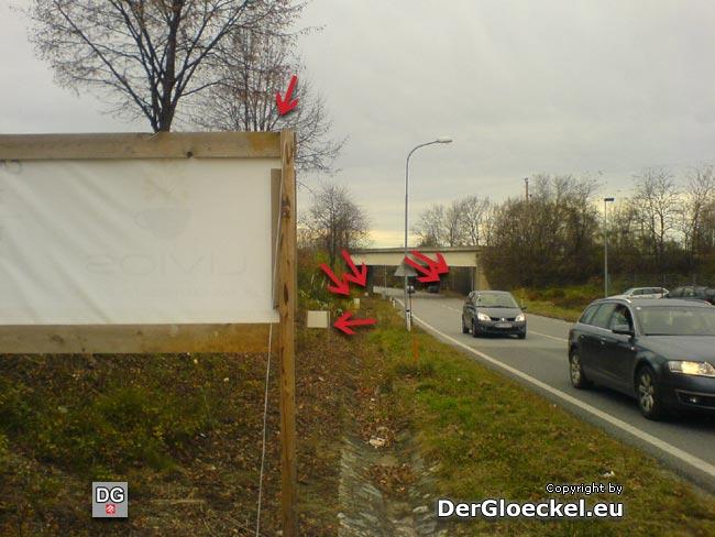 Besucher von Hainburg treffen alleine in diesem Straßenabschnitt der B9 auf 8 Werbetafeln für die Firma LIVIOS