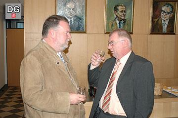 Die Bürgermeister Ernest Windholz (Bad Deutsch Altenburg) und Herbert Mihaly (Au/Leithaberge) im Gespräch