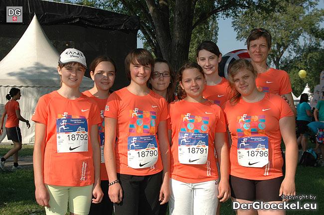 Die Läuferinnen der Hauptschule Hainburg beim Österreichischen Frauenlauf 2011